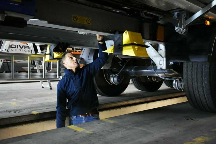 How to maintain your STAS moving floor trailer