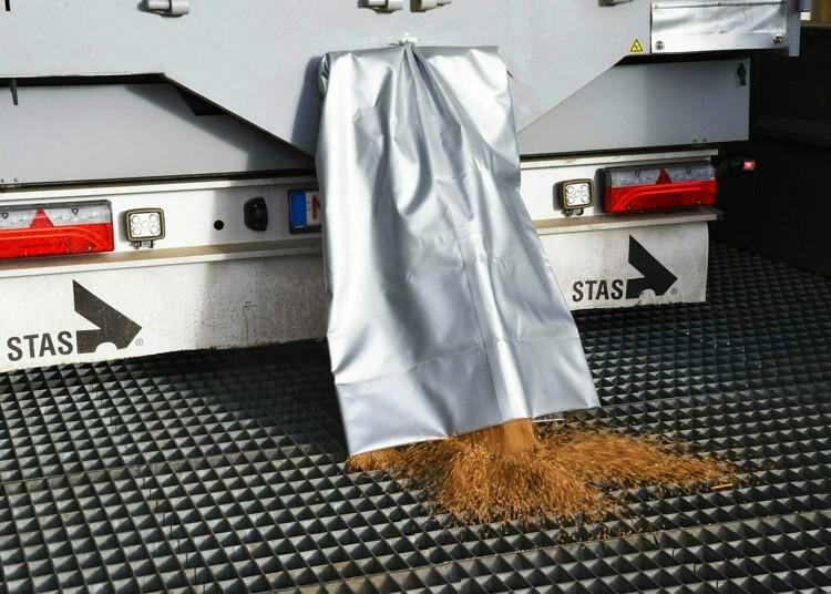 Specialised options for grain on your Farmstar