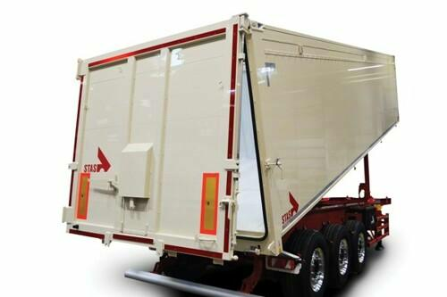 single-section, double-acting, water-resistant universal rear door for tipper