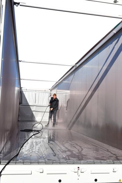 cuve à eau de 400 litres avec nettoyeur haute pression pour fond mouvant