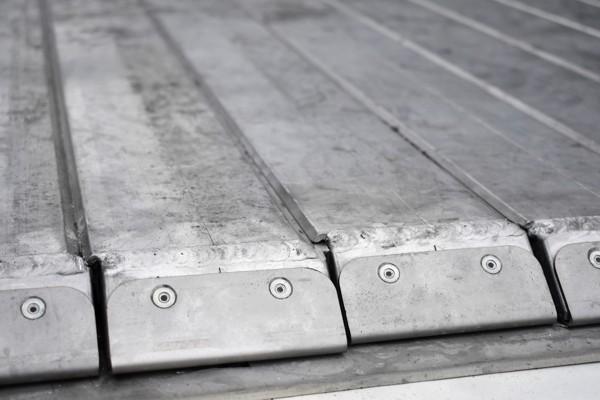 overlapping floor planks