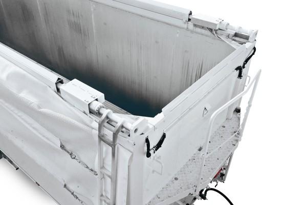 bâche hydraulique en deux parties avec porte arrière hydraulique